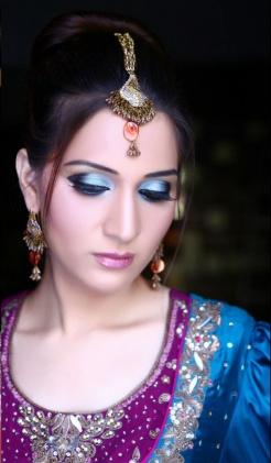 asian-bridal-makeup-engagement and nikah7