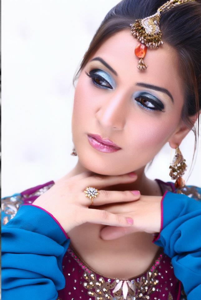 Asian Traditional Party Makeup - Uzmas