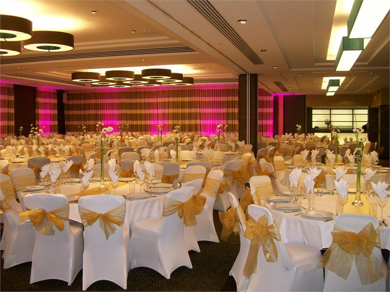 Wedding Venues With Capacity Of 250 To 400 Guests Perfect For Large Asian Weddings Around